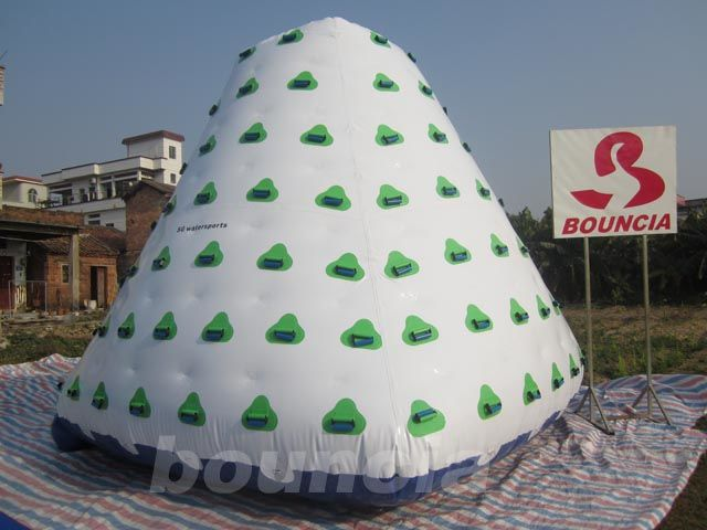 Outdoor Commercial Grade PVC Tarpaulin Inflatable Iceberg For Water Park