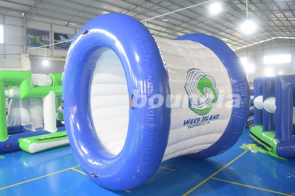 0.9mmポリ塩化ビニールの防水シートの青および白い色販売のための膨脹可能な水ローラー